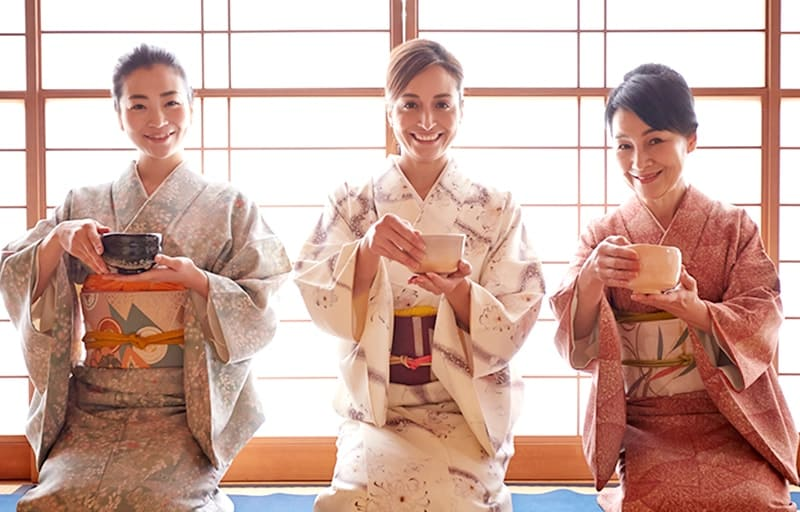 Tea ceremony with Maiko,Geisha,Geiko in Osaka