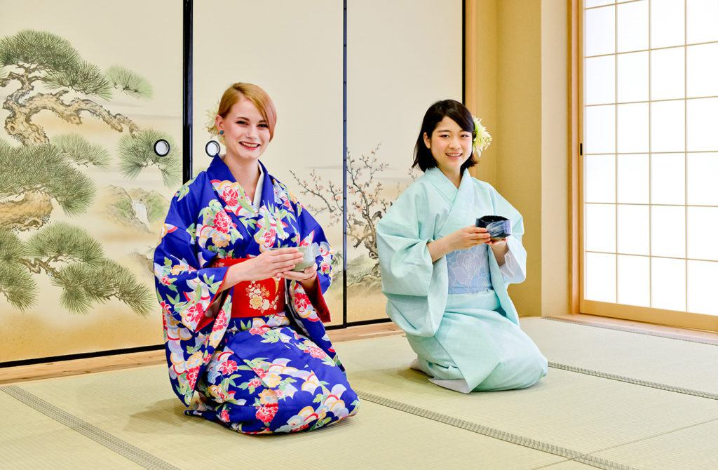 Tea Ceremony and Kimono Experience Osaka