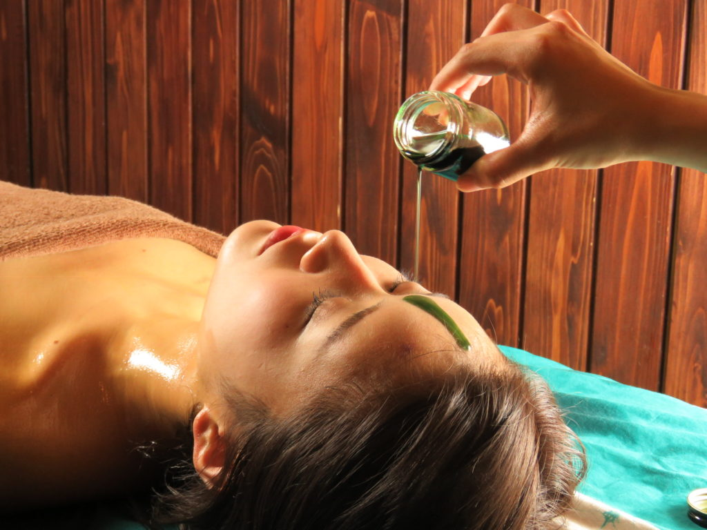 Massage in Kyoto – Traditional Head & Neck Massage