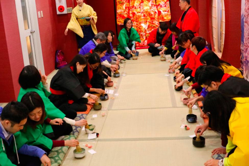 Kimono Tea Ceremony for Groups Osaka