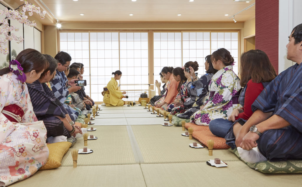 Kimono Tea Ceremony for Groups Kyoto Maikoya