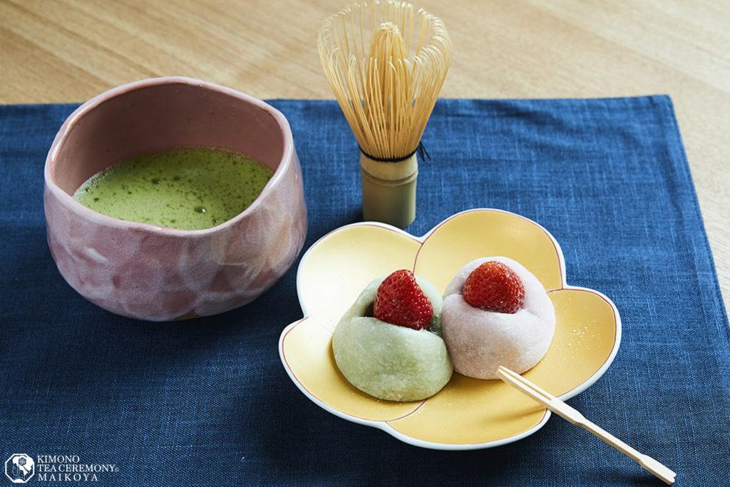 Sweets Making & Kimono Tea Ceremony in Tokyo